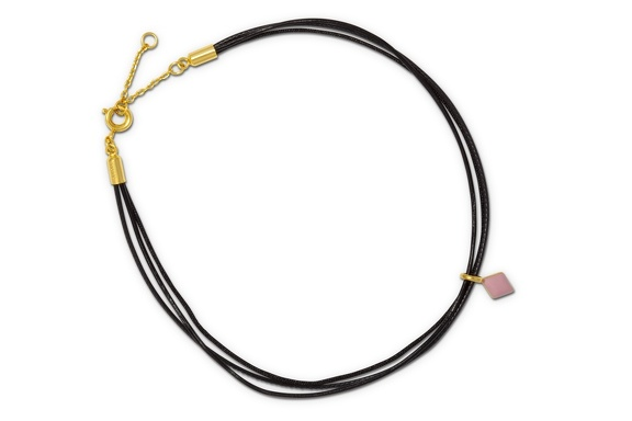 Collector Anklet black pendant top